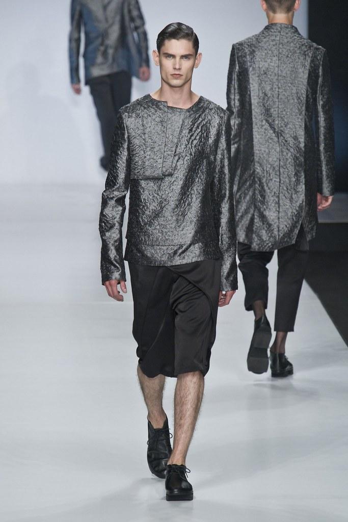 SS14 Milan Ji Wenbo004_Arthur Gosse(fashionising.com)