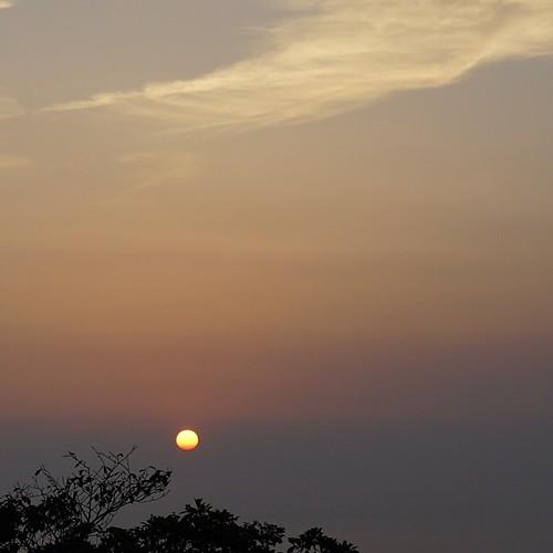 蔵王山山頂からの夕暮れ。訳あって、到着即下山。