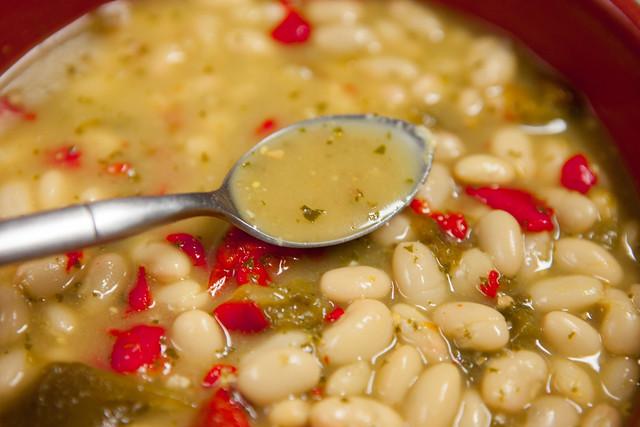 Pesto Roasted Pepper White Bean SoupIMG_5099