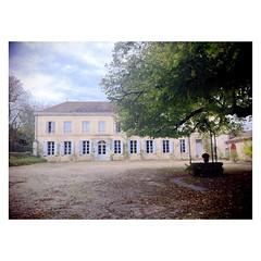 Ce matin, atelier modelage dans une splendide demeure ( décrépie) - Photo of Saint-Laurent-des-Bâtons