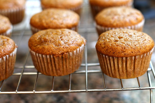 muffins, cooling