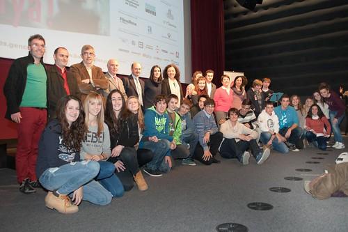 Foto dels guanyadors i finalistes del concurs de booktrailers junt amb el jurat i organitzadors a l'acte de lliurament a la Filmoteca de Catalunya. Crèdit foto: Bookmovies.tv.