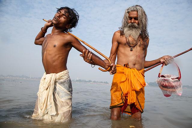 Rituals in Gandak - Sonepur, India