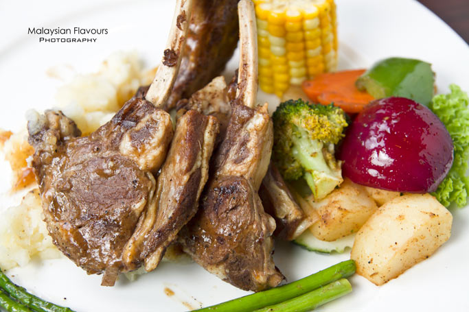 new-porky-flavours-white-house-kitchen-kota-damansara