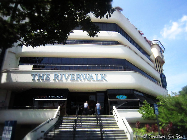 The Riverwalk & Riverwalk Apartments 02