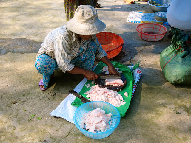 Making Banh Chung (sticky rice cakes) in Vietnam for Tet