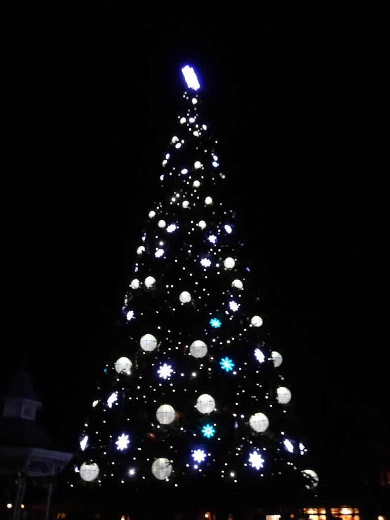 Un séjour pour la Noël à Disneyland et au Royaume d'Arendelle.... - Page 4 13700047575_8bb709a67b_b