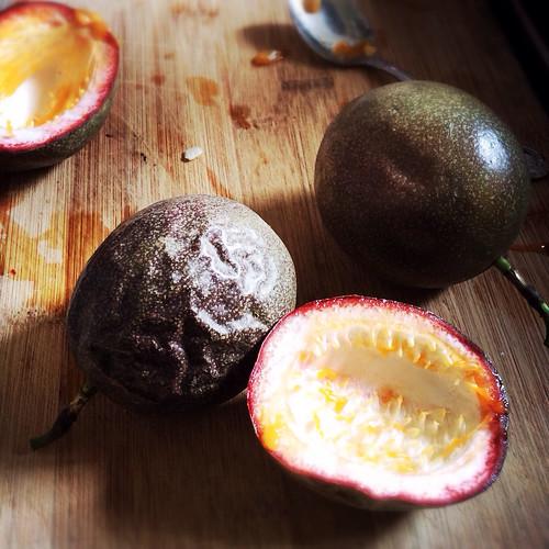 passion fruit, ice cream, fruit, summer, recipe, homemade, no ice cream machine, 百香果,冰淇淋