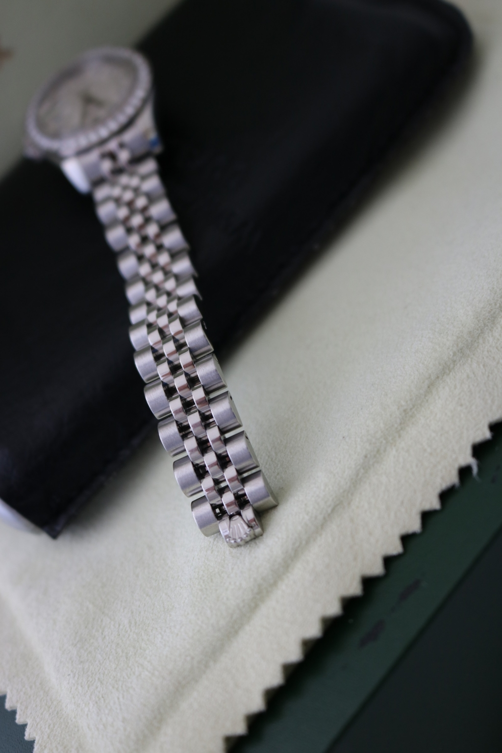 Bán đồng hồ rolex datejust 6 số 179174 – Inox – Mặt vi tính xoàn – Size 26mm