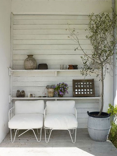 white-outdoor-chairs.jpg