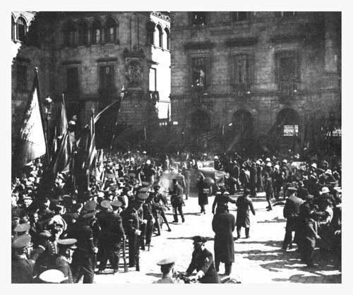 Barcelona, 1 de marzo de 1936, llegada de Lluís Companys y su séquito. by Octavi Centelles