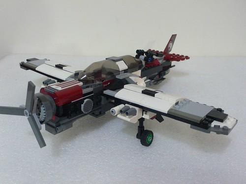 單翼螺旋槳雙人式戰機