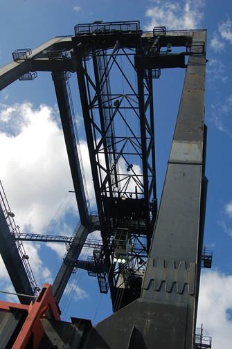 Horizon crane