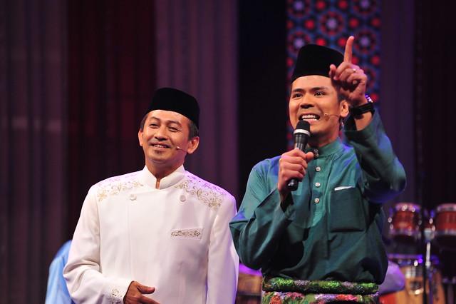 Awal Ashaari dan Prof Izzi Hj Ali dalam program Akustika Syawal