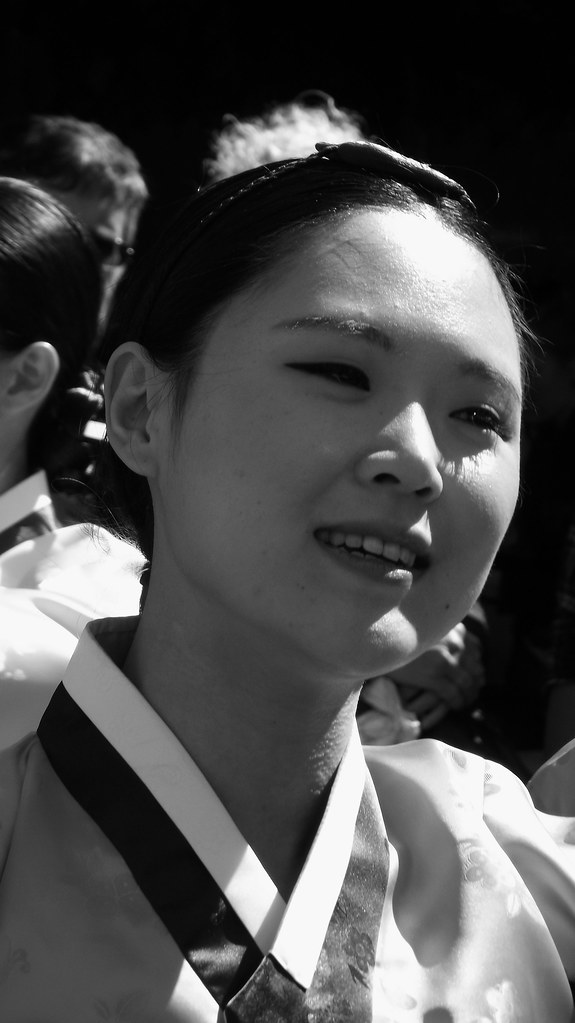 performers on the Mile 041