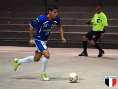 football player(1.0), ball(1.0), futebol de salã£o(1.0), sports(1.0), team sport(1.0), player(1.0), football(1.0), ball game(1.0), futsal(1.0), ball(1.0),