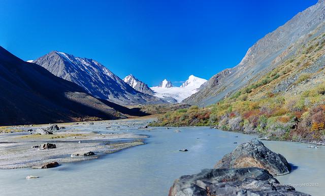 Sofiyskiy glacier, Altai. Долина Аккол и Софийский ледник, Алтай