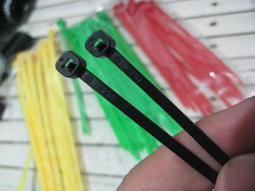 cable tie (zip tie)