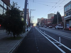 Broadway Cycle Track, south from Union @cascadebicycle @seabikeblog @seatransitblog @jseattle