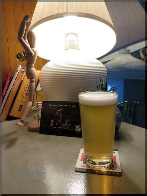 Photo:2013-11-11_ハンバーガーログブック_【池袋】Beer Pub CAMDEN 大好きなビアバーがハンバーガー始めるなんて!-02 By:logtaka