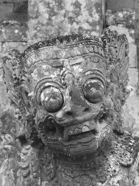 200907150264_Pura-Taman-Ayun-statue-bw-w
