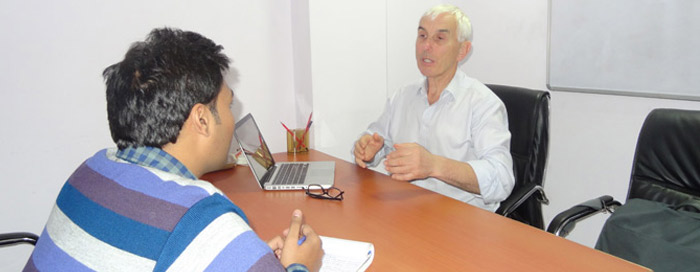Client from Ireland Comes to VE Office to Conduct 