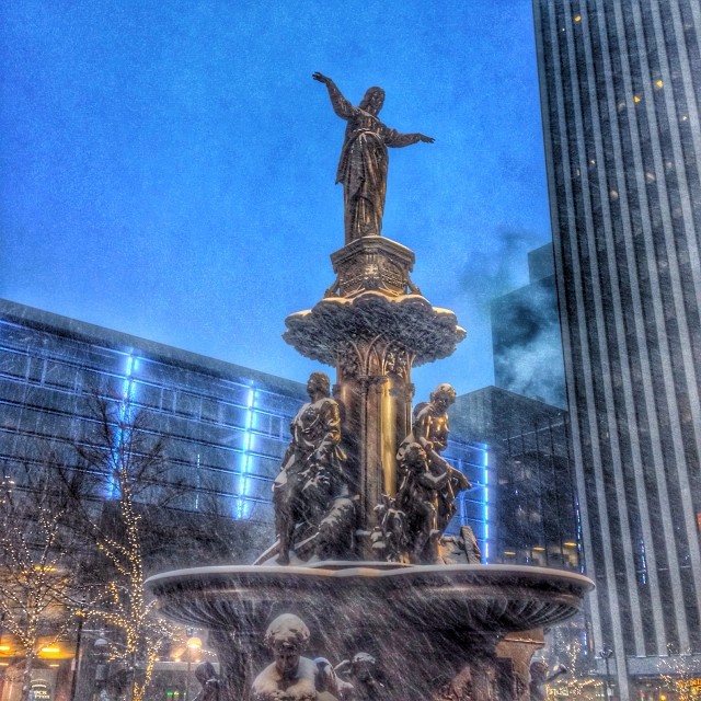 Genius of Water freezing in the snow #downtowncincy #cincinnati #fountainsquare #snomg
