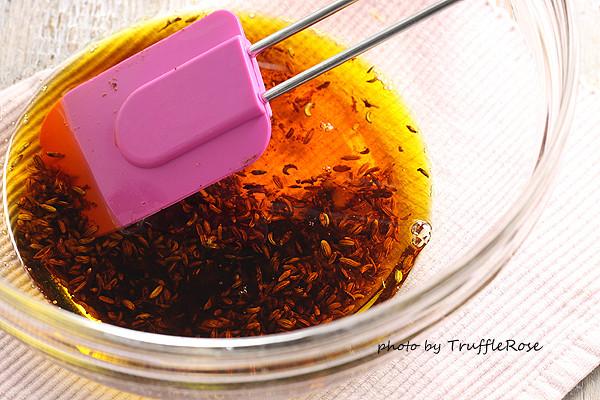 豬五花,辣椒和茴香籽 Pork belly slices with chilli & fennel seeds-20131218