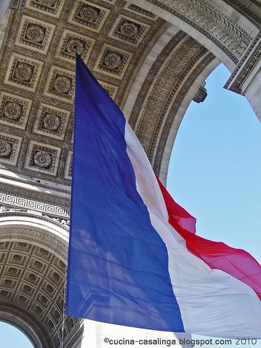 Arc de Triomphe - Fahne