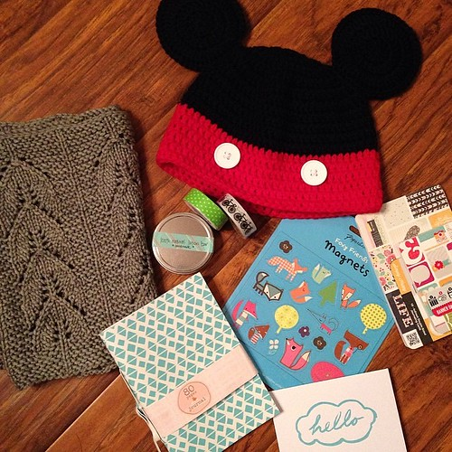 106:365 Y'all!! I got the most awesome #yarnstitchswap package from @busybean !! The Mickey ears kill me! And the cowl is super-duper soft! Thanks so much Colleen!
