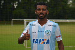 02-03-2017: Telo, lateral-direito do Londrina Esporte Clube