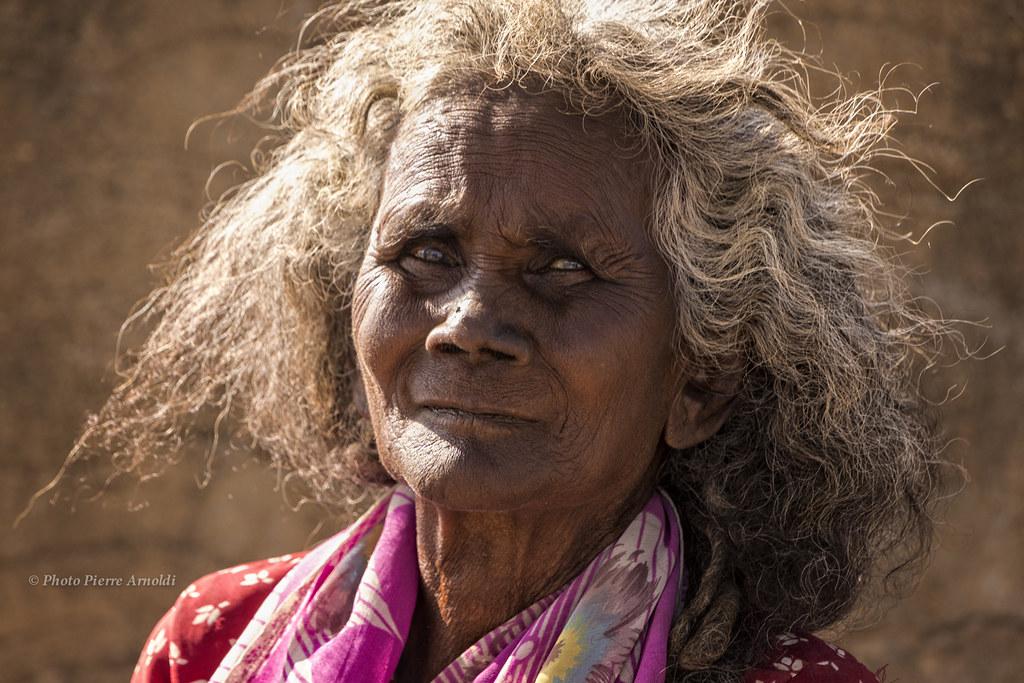 HAMPI : PORTRAIT DE FEMME