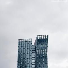 #hamburg #skyscraper #architecture #architecturephotography #hamburg_de #ahoihamburg #igershamburg #visithamburg #explorehamburg #traumstadt #speicherstadt #igershh #welovehh #igersgermany #germany #clouds