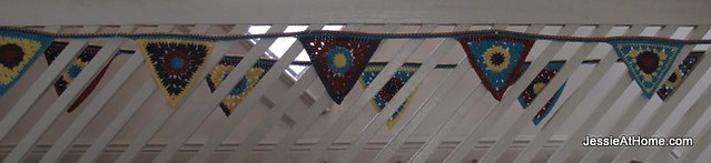circle-to-triangle-bunting-free-crochet-tutorial