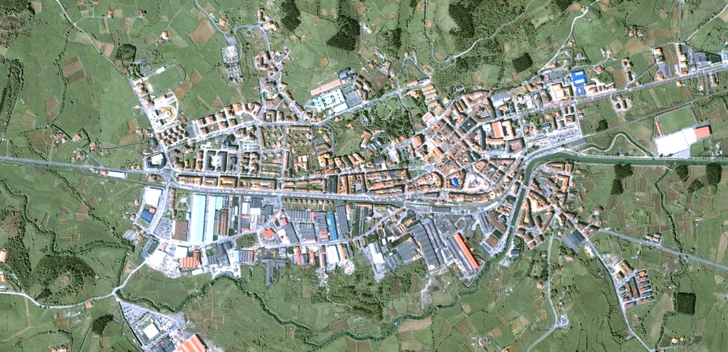 gernika-lumo, bizkaia, guernica luno, vizcaya, creo que aún nadie se ha quejado del nomenclator vasco, antes, urbanismo, planeamiento, urbano, desastre, urbanístico, construcción
