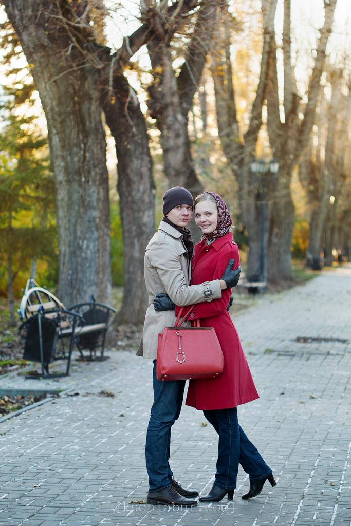 Прогулка влюбленной пары, фотосессия Lovestory