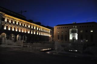 Vista nocturna del Ayuntamiento.