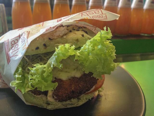 greenzilla_buona_vista_royal_mushroom_burger