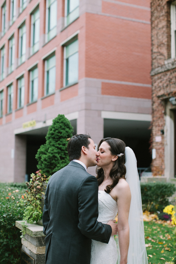 Celine-Kim-Photography-Toronto-AN-fall-wedding-University-of-Toronto-faculty-club-17