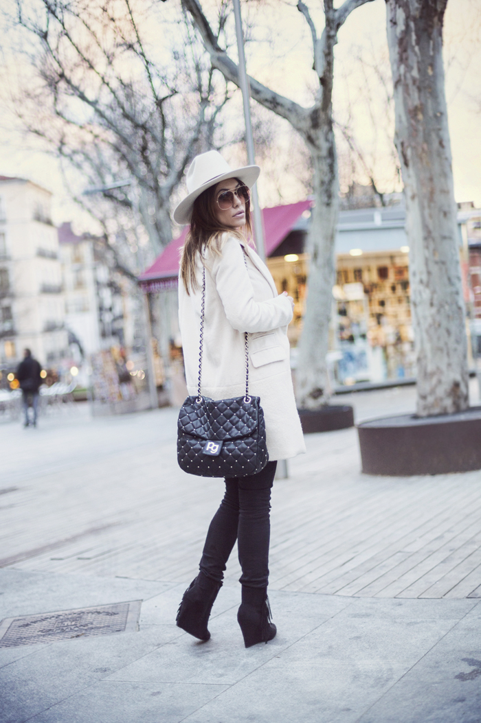 street style barbara crespo bite the tshirt eleven paris hat fashion blogger blog de moda outfit