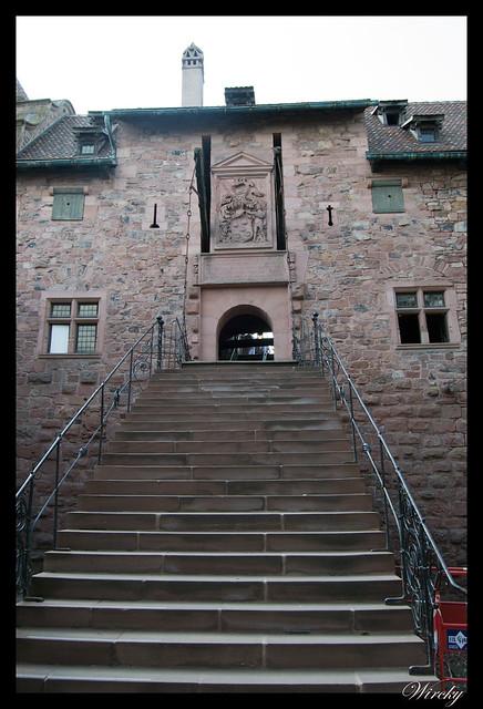 Escaleras y puente levadizo