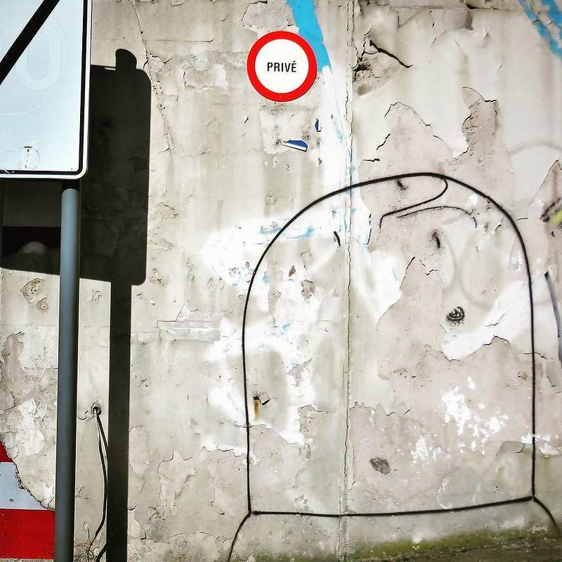 Must be nice... a #private #Bisser - #Leuven #Belgium #streetart #graffiti #streetartbel #streetart_daily #urbanart #urbanart_daily #graffitiart_daily #graffitiart #streetarteverywhere #mural #wallart #ilovestreetart #igersstreetart #igersbe #rsa_gra