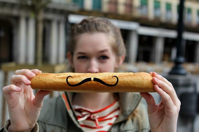 Bigote/Mustache