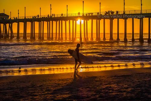 HB Pier Sunset w- surfer-1812