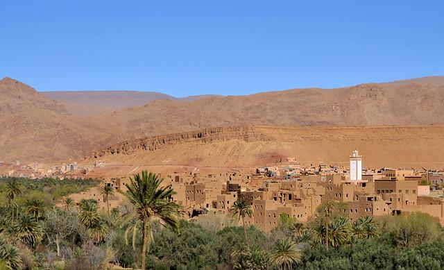 Kashbahs que te encuentras rumbo a las gargantas de Todra de Marruecos
