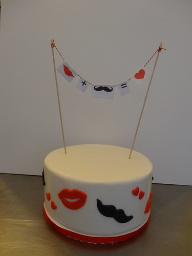 moustache & lips wedding by CAKE Amsterdam - Cakes by ZOBOT