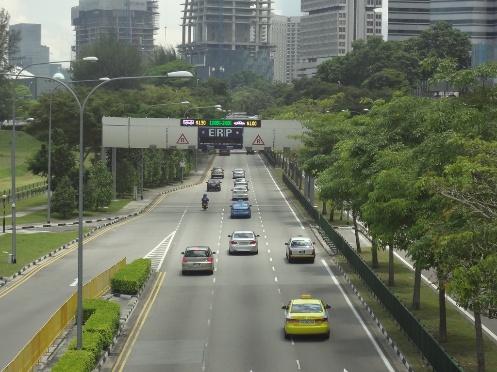 Electronic Road Pricing (ERP) on Nicoll Highway