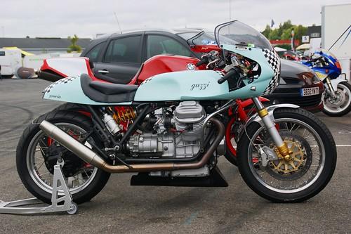 Racer Guzzi V7