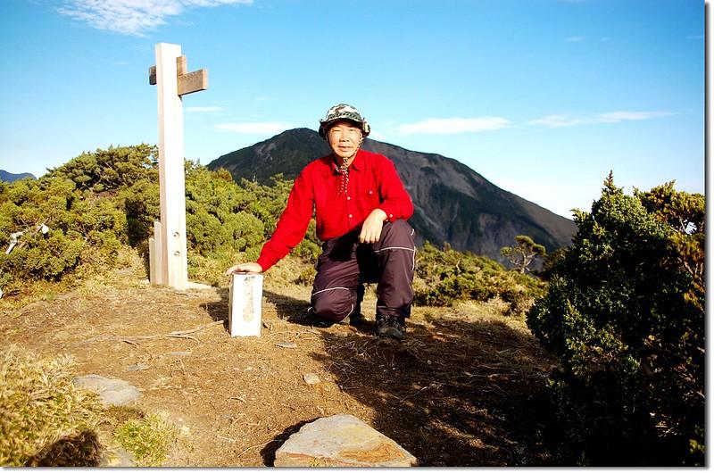 馬利亞文路山(Elev. 3483 m),背景為馬博拉斯山