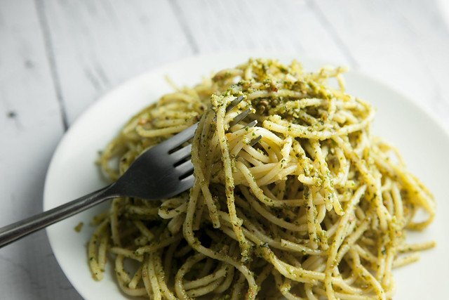 Basil Pesto With Almonds_5
